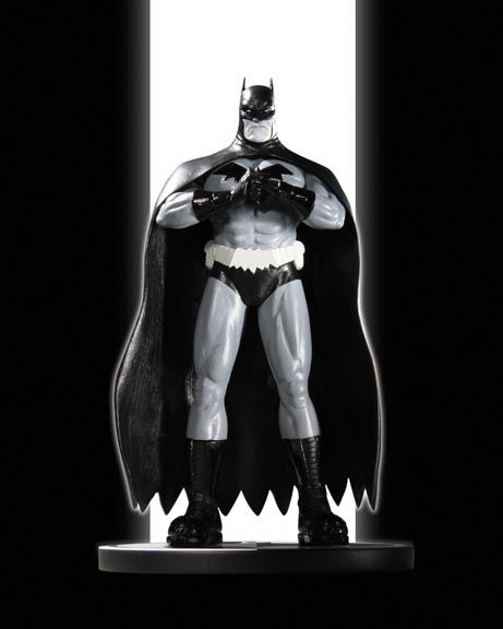 BATMAN BLACK & WHITE STATUE: BATMAN BY PATRICK GLEASON