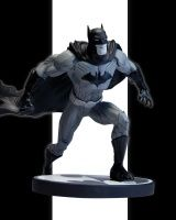BATMAN BLACK AND WHITE: THE NEW 52 BY JIM LEE STATUE