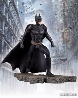 THE DARK KNIGHT RISES: 1:12 SCALE STATUES - BATMAN