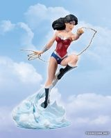 COVER GIRLS OF THE DC UNIVERSE: WONDER WOMAN (DC COMICS – THE NEW 52) STATUE