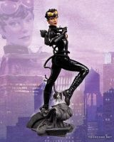 DC COLLECTIBLES DC COMICS COVER GIRLS: CATWOMAN: DC COMICS – THE NEW 52 STATUE
