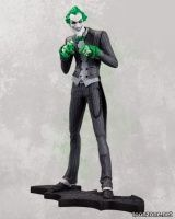 BATMAN: ARKHAM CITY THE JOKER STATUE