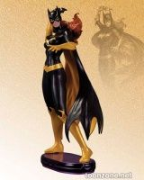 DC COMICS: COVER GIRLS BATGIRL STATUE