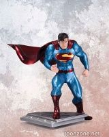 SUPERMAN: THE MAN OF STEEL BY JIM LEE STATUE