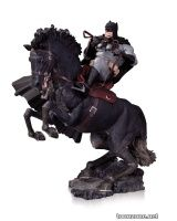 THE DARK KNIGHT RETURNS: A CALL TO ARMS STATUE YEAR OF THE HORSE EDITION