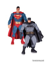 THE DARK KNIGHT RETURNS 30TH ANNIVERSARY SUPERMAN AND BATMAN ACTION FIGURE 2-PACK