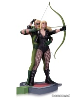 GREEN ARROW AND BLACK CANARY STATUE