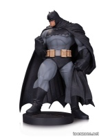 DC COMICS DESIGNER SERIES: DARK KNIGHT III: THE MASTER RACE BATMAN BY ANDY KUBERT STATUE