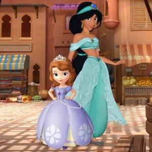 """""""Sofia the First"""" - Pirate and Princess Summer on Disney Jr."""