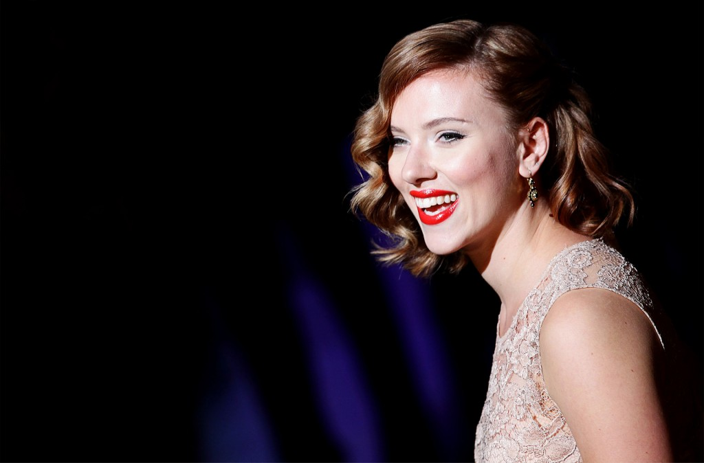 "Scarlett Johansen will play Molly the restaurant manager in Jon Favreau's version of ""Chef""."