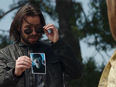 Sam [Martin Starr] tries out his new Trent face and persona.