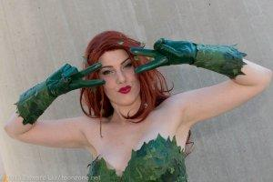 NYCC 2013 GillyKins Cosplay Poison Ivy Batusi