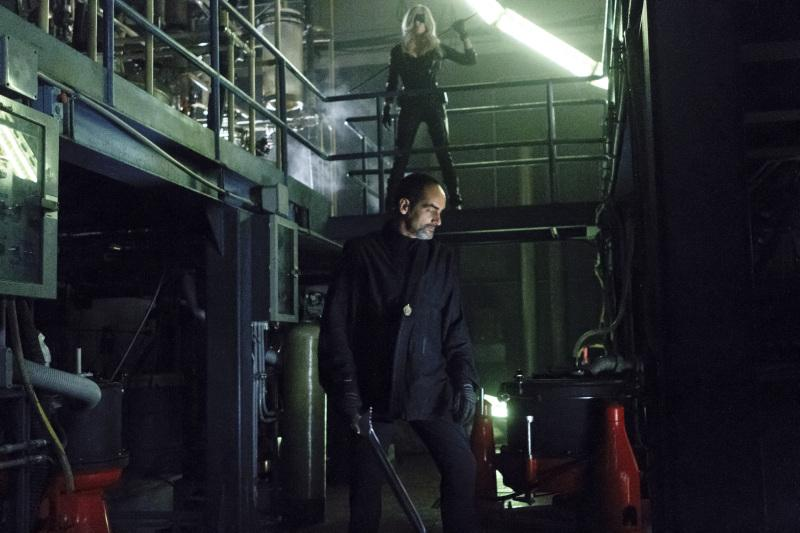 Sara/Black Canary exchanges pleasantries with League of Assassin bad guy, Al-Owal.
