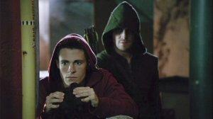 Arrow startles Roy as he's keeping tabs on baddies in the Glades.
