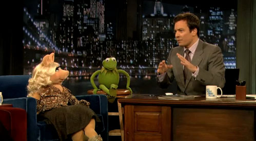 Jimmy Fallon talks with Kermit and Miss Piggy in an earlier appearance on his previous show.