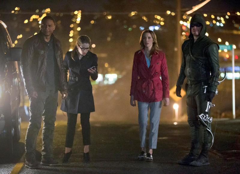 Part of Team Arrow assembles as they formulate strategy against Slade's army.