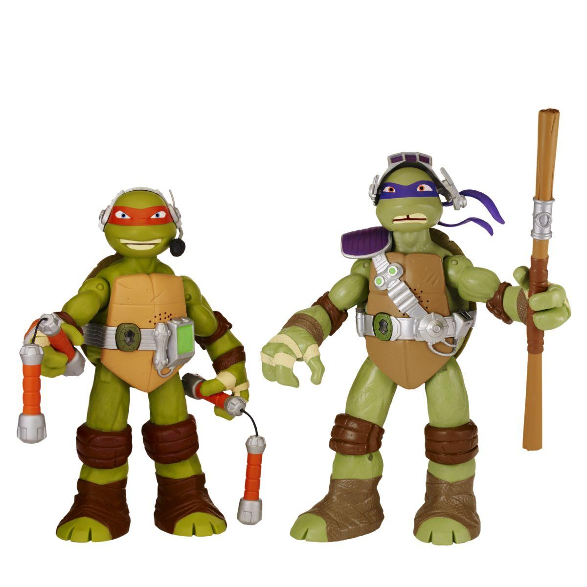 Teenage Mutant Ninja Turtles 11-inch interactive talking turtles Donatello with Michelangelo
