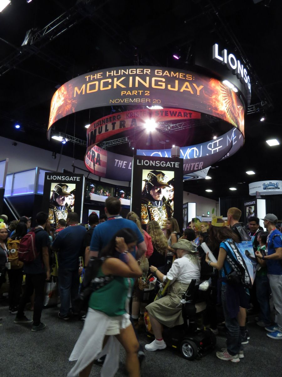 sdcc2015-07-08-lionsgate-booth-01