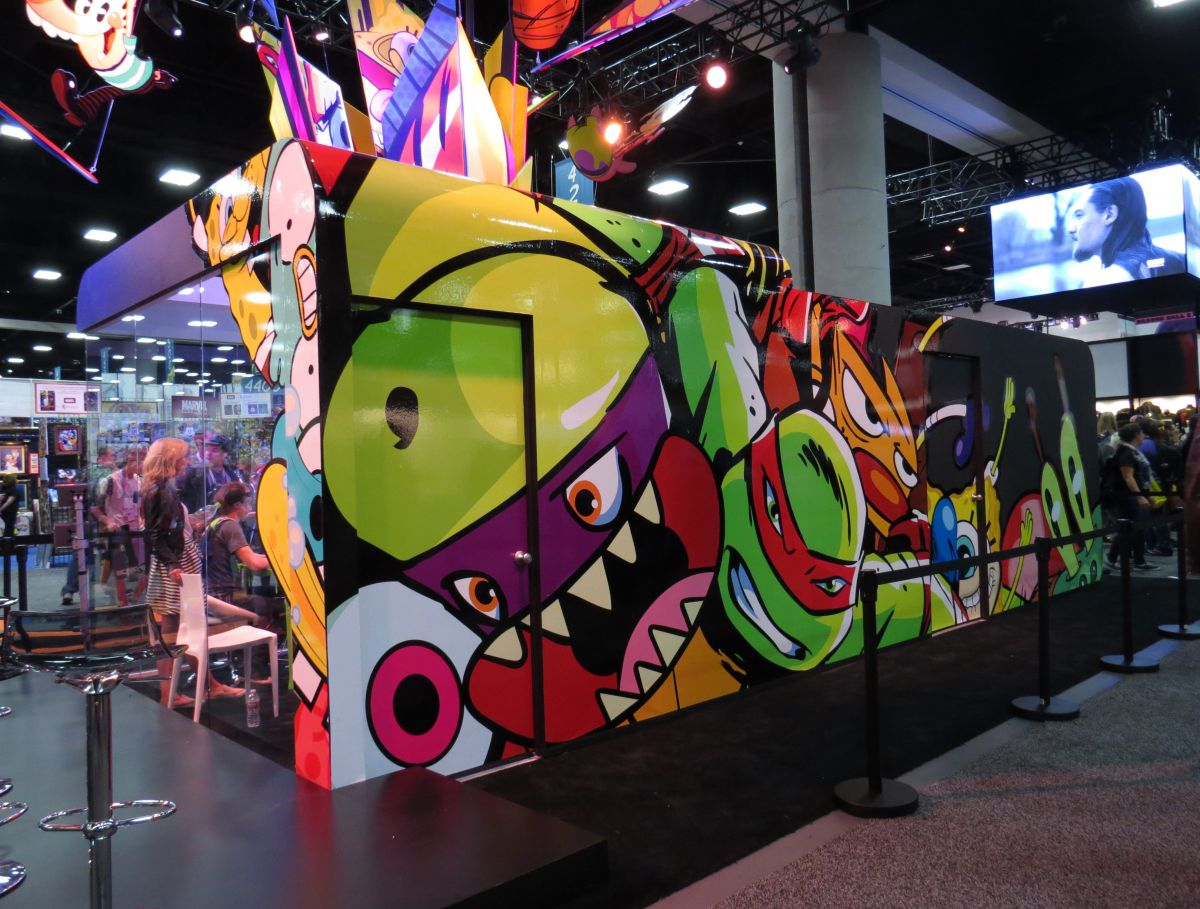 sdcc2015-07-08-nickelodeon-booth-02