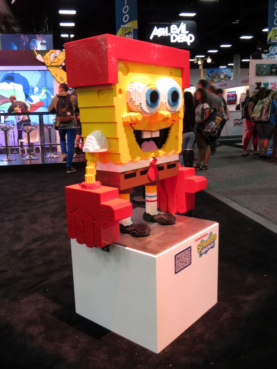 sdcc2015-07-08-nickelodeon-booth-05