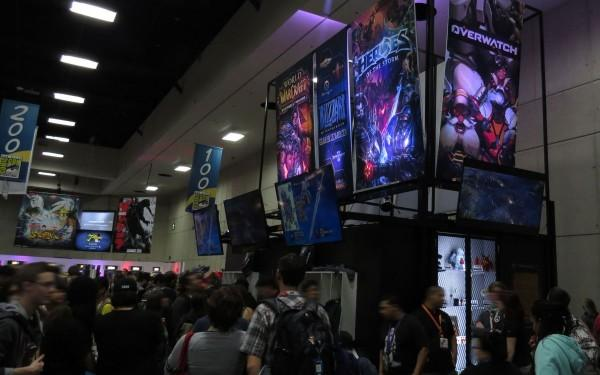 sdcc2015-07-09-blizzard-booth-01
