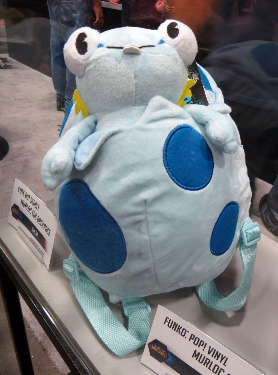 sdcc2015-07-09-blizzard-booth-03