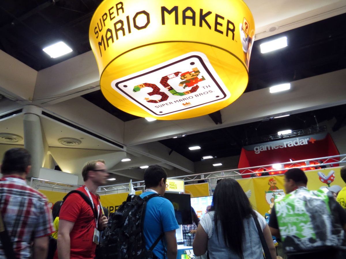 sdcc2015-07-09-super-mario-maker-booth-01