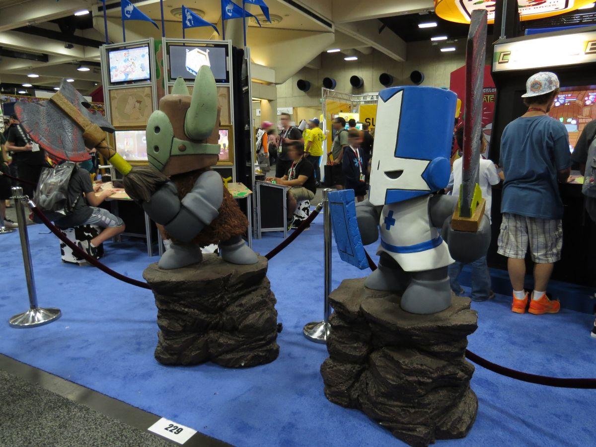 sdcc2015-07-09-the-behemoth-booth-01