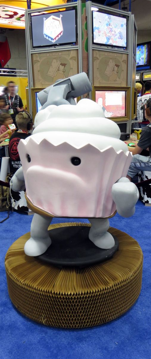 sdcc2015-07-09-the-behemoth-booth-02