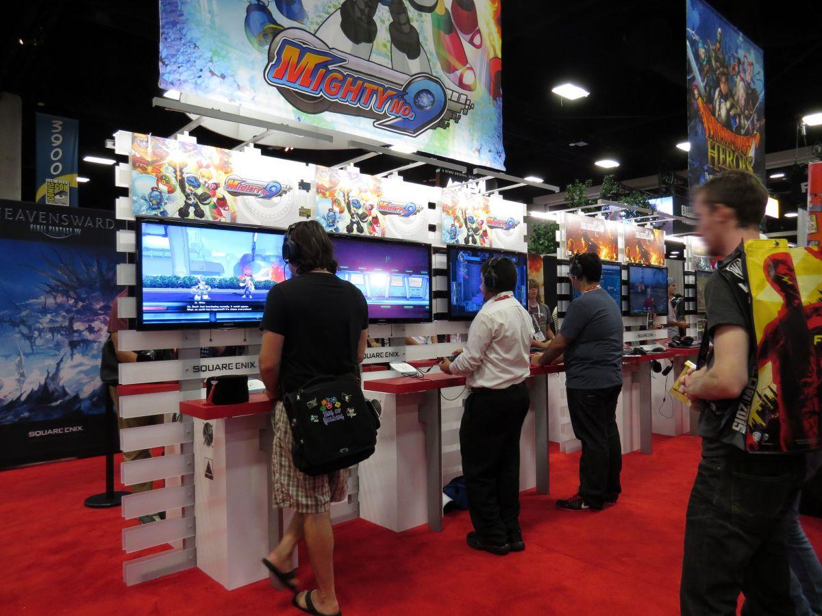 sdcc2015-07-10-square-enix-booth-02