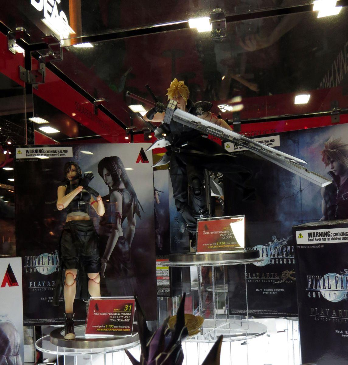 sdcc2015-07-10-square-enix-booth-10