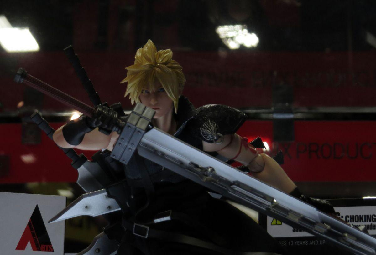 sdcc2015-07-10-square-enix-booth-11