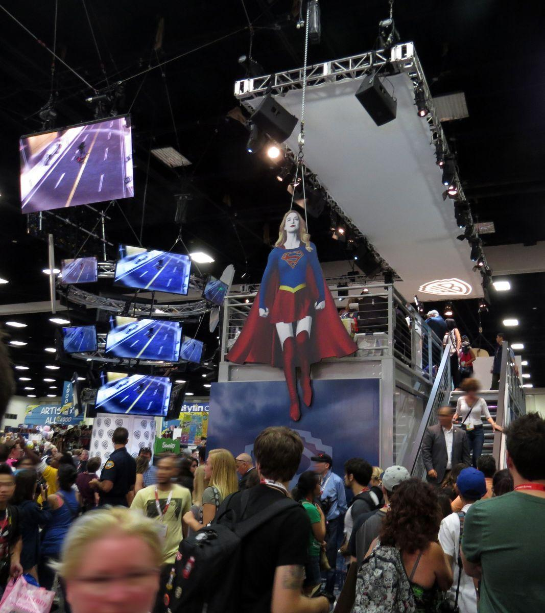 sdcc2015-07-10-wb-booth-03
