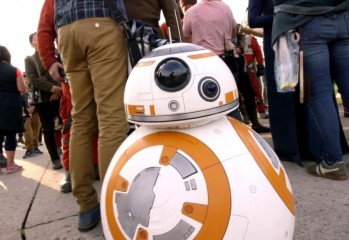 Whet Your Space-Epic Appetite With These Star Wars: The Force Awakens Featurettes